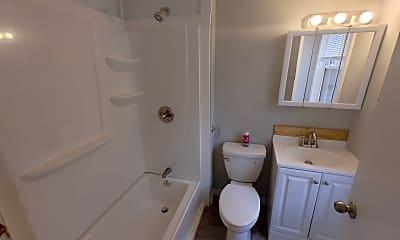 Bathroom, 11 Neal St, 2