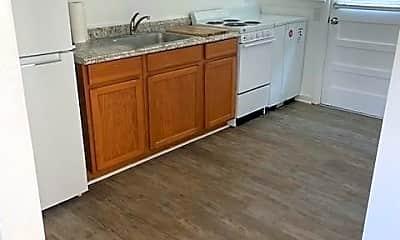 Kitchen, 173 W Seaview Ave 4, 1
