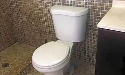 Bathroom, 2621 Dewey St, 2