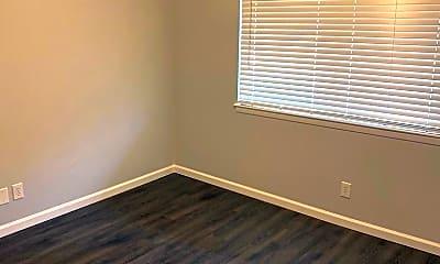 Bedroom, 5632 S Quaker Ave, 2
