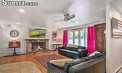 Living Room, 951 Netherwood Dr, 2