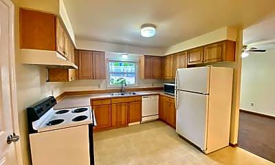 Kitchen, 821 205th St SE, 1