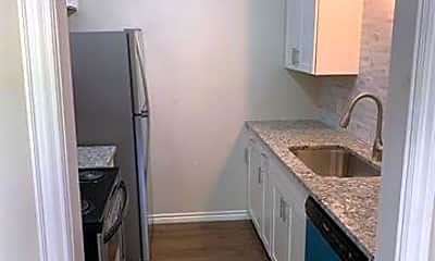 Kitchen, 429 Johnson St 24, 0