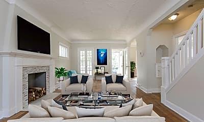 Living Room, 1047 Hillstone Rd, 1