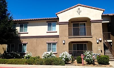 Vineyard Family Apartments, 0