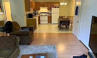 Living Room, 18 Dinan Dr, 1