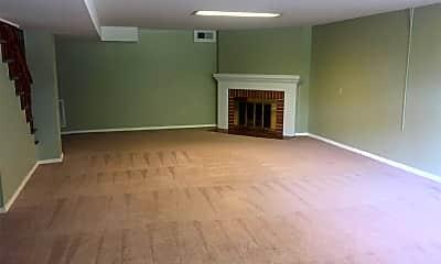 Living Room, 12 Brookwood Rd, 2
