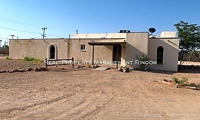 Building, 8830 S Nogales Hwy - 5, 2