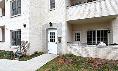 Building, 231 N Thomas St, 1