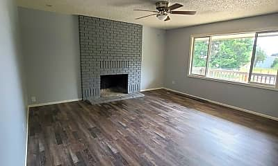 Living Room, 475 W Lacey Ave, 0