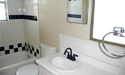 Bathroom, 5334 NW Liberty Ave, 2