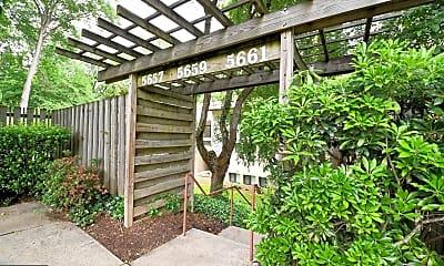 Patio / Deck, 5659 Harpers Farm Rd D, 0