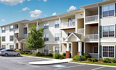 Building, Shallowford Trace Apartments, 0