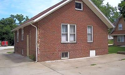 Building, 334 N Charles St, 1