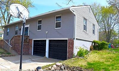 Building, 13225 Park Hills Dr, 1