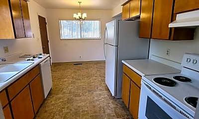 Kitchen, 1680 E Long St, 0