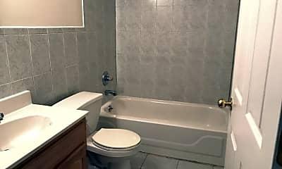 Bathroom, 85 Madison St, 2