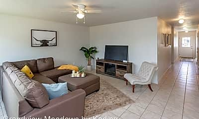 Living Room, 4251 Grandview Ave, 0