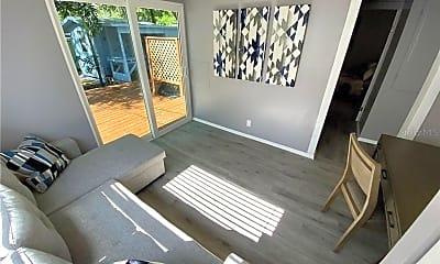 Patio / Deck, 5044 Betty St N, 1