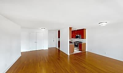 Living Room, 765 Amsterdam Avenue #8F, 2