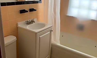 Bathroom, 3326 Nicollet Ave, 2