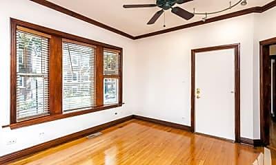 Bedroom, 5718 N Glenwood Ave, 1