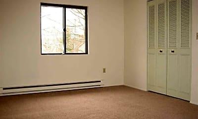 Bedroomn, 10 Basswood Avenue, 1