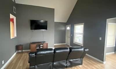 Living Room, 2594 Broadway St, 1