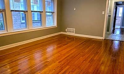 Living Room, 7637 S Kingston Ave, 1