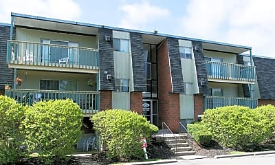 Building, Finneytown Apartments, 0