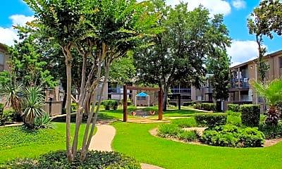 Memorial Fountain Apartments, 2