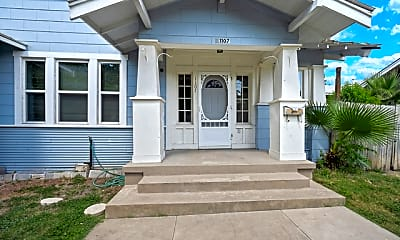 Building, 1107 W Mistletoe Ave 1, 1