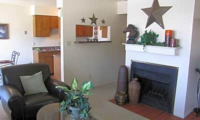 Living Room, Chisholm Trail Townhomes, 1