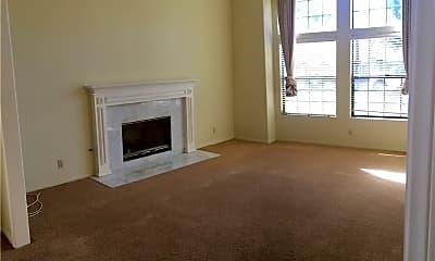 Living Room, 252 Costa Mesa St A, 1