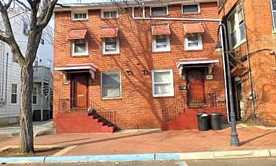 Building, 28 E Pine St 28, 0