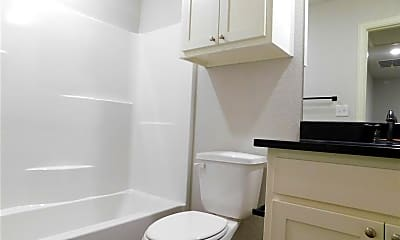 Bathroom, 800 N 3rd St, 2