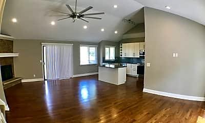 Living Room, 9534 Glenwood St, 1