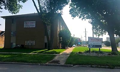 Twixtown Apartments, 1