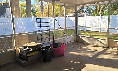 Patio / Deck, 205 W Amelia Ave, 2
