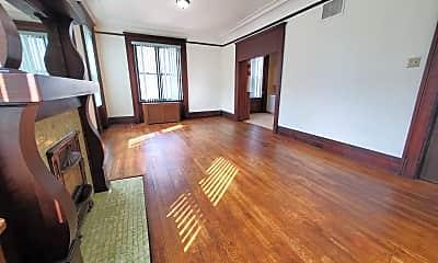 Living Room, 900 Cedar Ave, 1