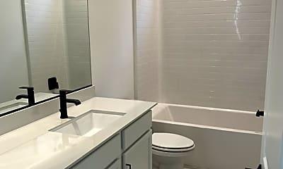 Bathroom, 623 Daniel Freeman Cir, 2