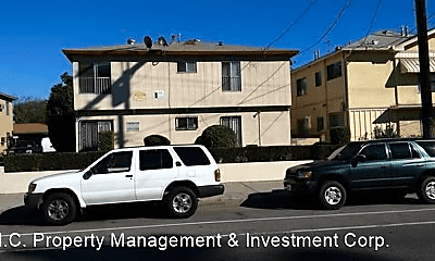 Building, 6634 Woodman Ave, 1