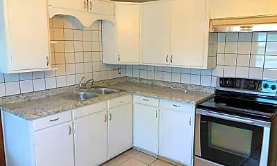 Kitchen, 1408 O'Daniel St, 1