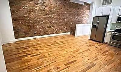 Living Room, 291 Pulaski St, 1