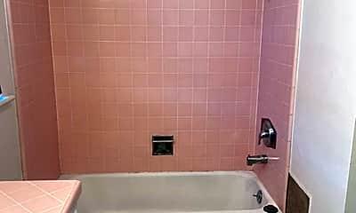 Bathroom, 310 W Chapel St, 2