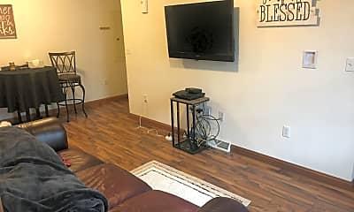 Living Room, 101 Ash St, 0