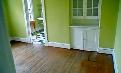 Living Room, 432 3rd St NE, 1