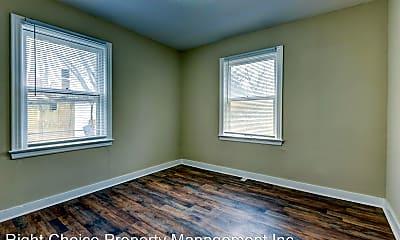 Bedroom, 508 S Wellington St, 2