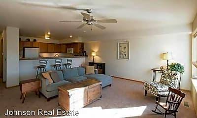 Living Room, 4419 E Court St, 1