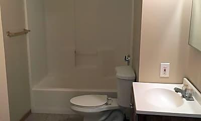 Bathroom, 514 E Chestnut St, 1